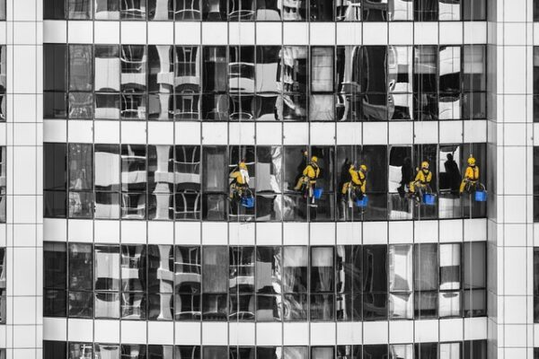 The Importance of Choosing a Window Cleaning Service