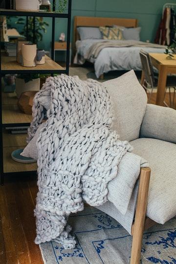 Tips for choosing the right blanket for better sleep quality